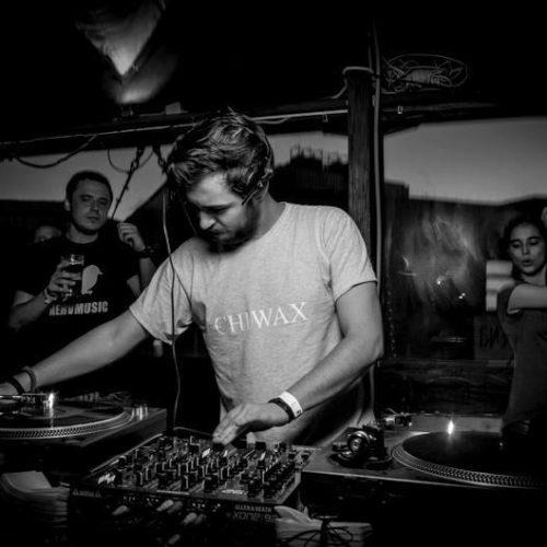 Lecție de cultură muzicală underground cu Addo și Vid, la AVi