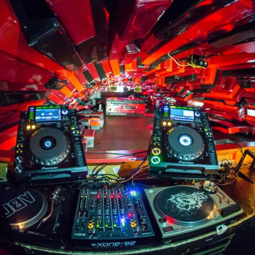 Sondaj avimⓐg : Ce DJ român apreciezi cel mai mult?