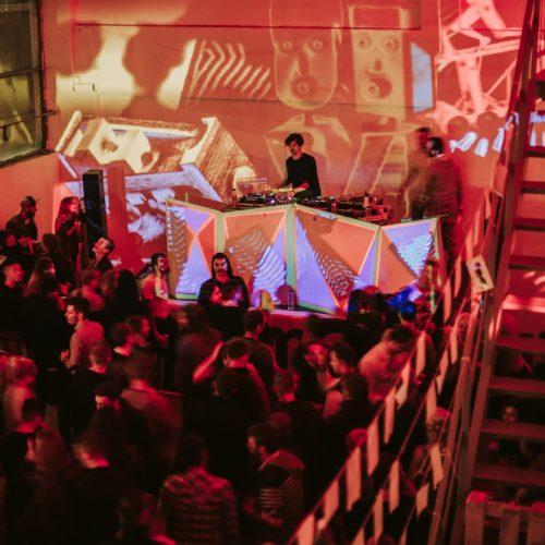 Ultimate party experience: Laboratorul de Techno