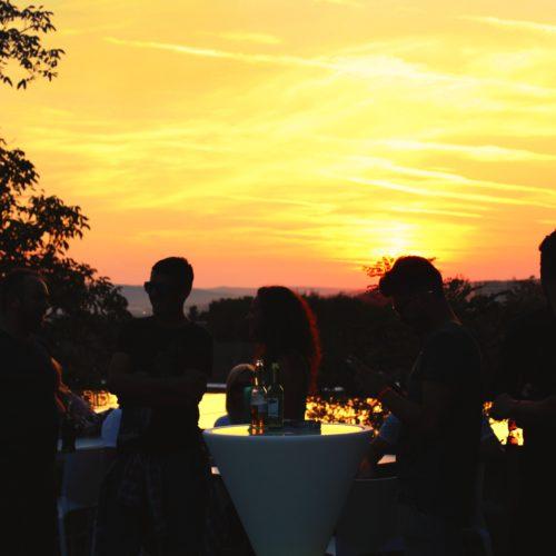 Sâmbătă la Privo! Panoramă peste Târgu-Mureș, soare cald, băuturi reci și techno marca Addo&Scopter