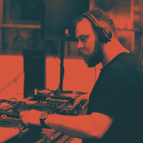 Încep sesiunile diurne de techno marca Avimag! Party de zi sâmbătă la Uzina Foto!