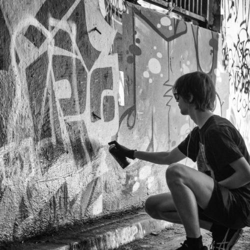 Liber la graffiti-uri în Uzină! Sâmbătă ne petrecem ziua la Foto!