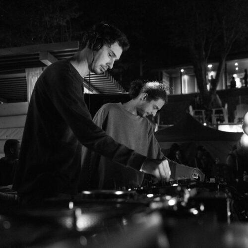 Cristi Cons și Vlad Caia vin în premieră la Foto! Pe 27 septembrie dansăm cu SIT, Mera și iON!